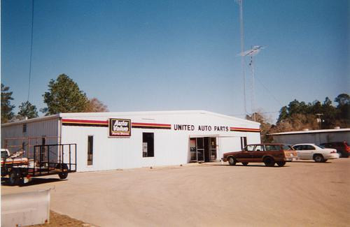 United Auto Parts storefront. Your local Tri-States Automotive Warehouse, Inc in Blountstown, FL.