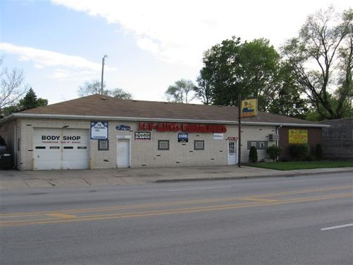 J & F Auto Rebuilders storefront - Your local Auto Parts store in Brookfield, ILLINOIS (IL)