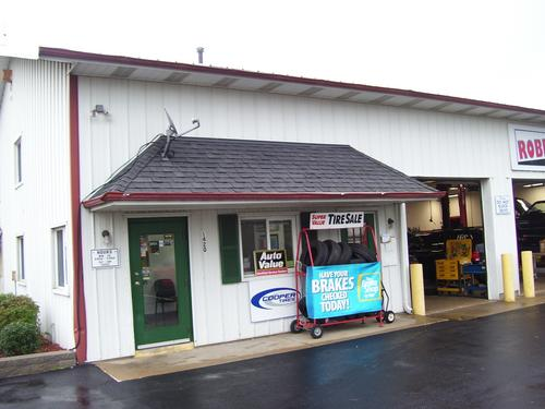 Robert's Automotive Service Center, Inc. storefront. Your local Al's Automotive in St. Charles, MO.