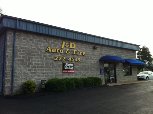 J & D Auto & Tire storefront. Your local Al's Automotive in O'Fallon, MO.