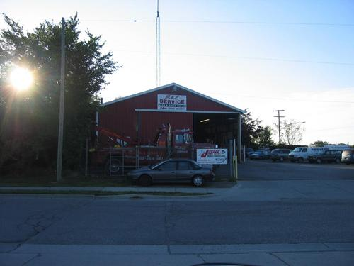 E and L Service storefront. Your local Auto-Wares, Inc in Lapeer, MI.