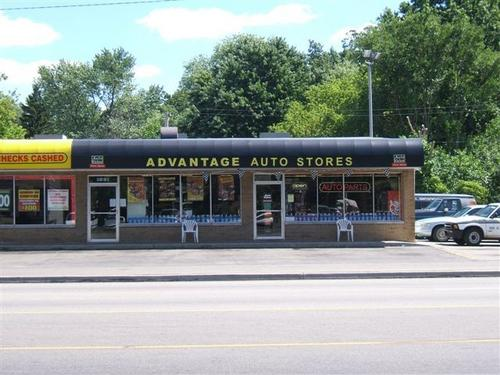 Advantage Auto Stores storefront. Your local Hahn Automotive Warehouse in Toledo, OH.