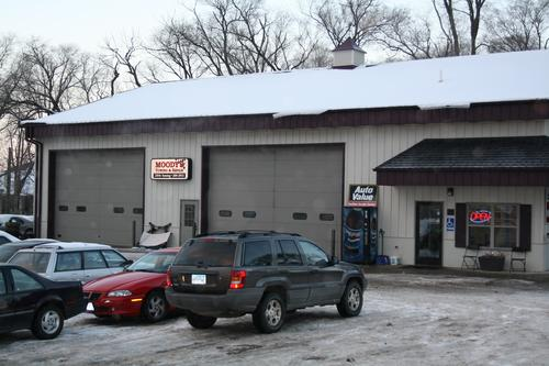 On Point Auto Service storefront. Your local AutoParts HeadQuarters, Inc in Rochester, MN.