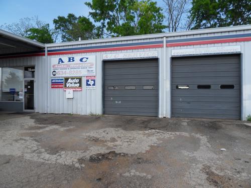 ABC AUTO SERVICE storefront. Your local ABC Auto Parts, Ltd. in Lufkin, TX.