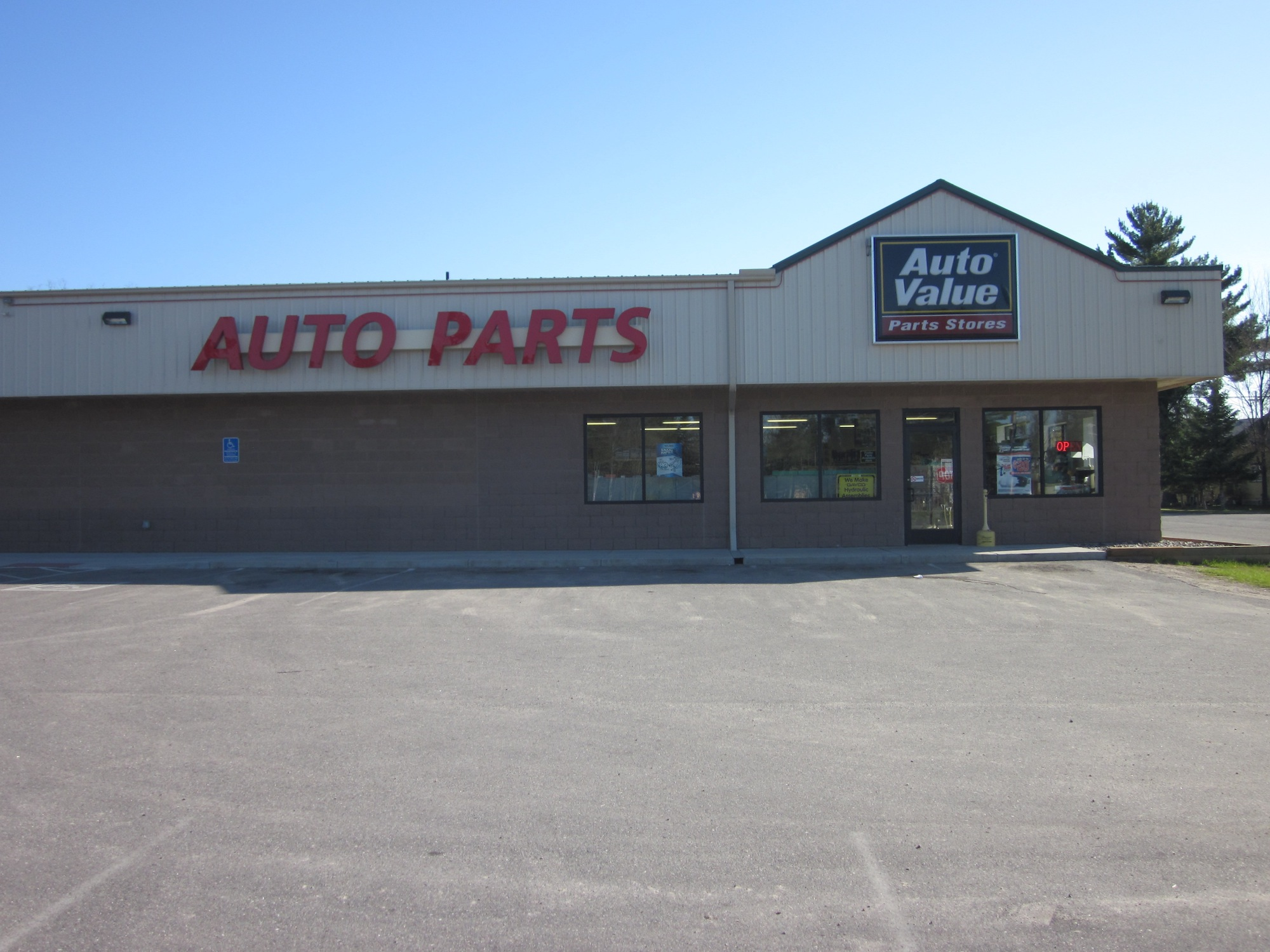 Auto Value Pine River