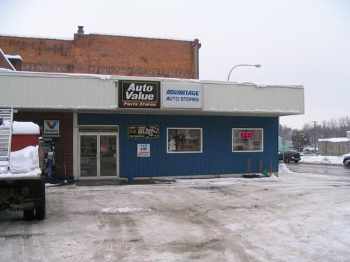 Advantage Auto Stores storefront. Your local Hahn Automotive Warehouse in Carthage, NY.