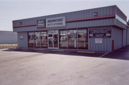 Advantage Auto Stores storefront. Your local Hahn Automotive Warehouse in Clinton, NC.