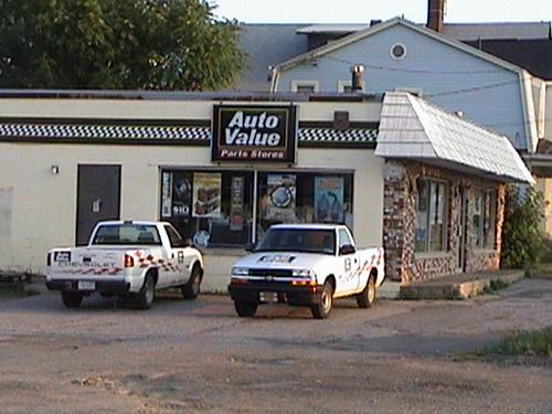 Advantage Auto Stores storefront. Your local Hahn Automotive Warehouse in Erie, PA.