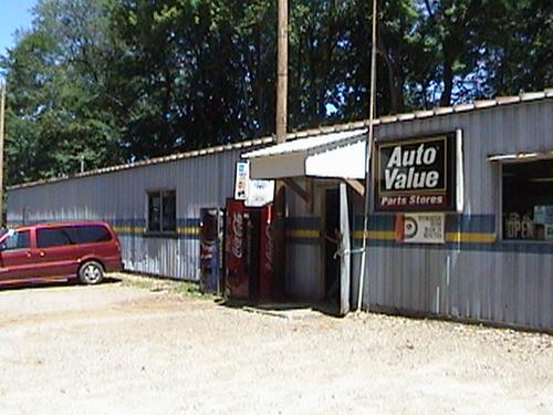 Advantage Auto Stores storefront. Your local Hahn Automotive Warehouse in Meadville, PA.