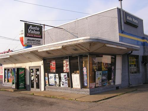 Advantage Auto Stores storefront. Your local Hahn Automotive Warehouse in Grove City, PA.