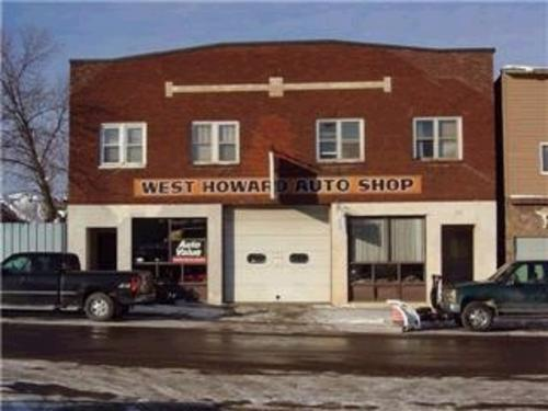 Dave's West Howard Auto storefront. Your local AutoParts HeadQuarters, Inc in Hibbing, MN.