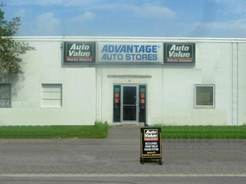 Advantage Auto Stores storefront. Your local Hahn Automotive Warehouse in Syracuse, NY.