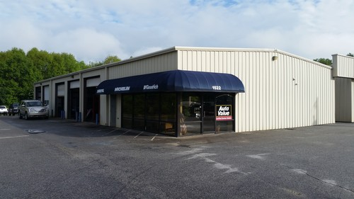 GRAYDON TIRE & AUTOMOTIVE storefront. Your local White Brothers Warehouse, Inc. in Greer, SC.