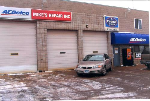 Mike's Repair storefront. Your local AutoParts HeadQuarters, Inc in St. Cloud, MN.
