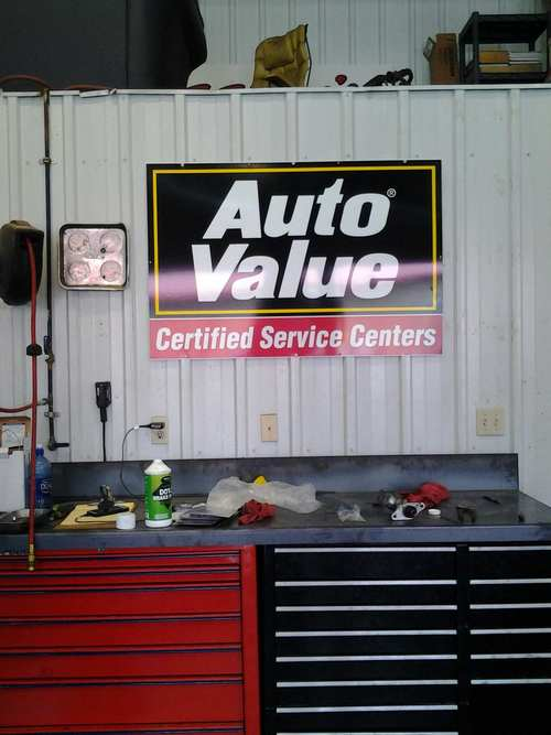 Braaten's Auto Service storefront. Your local AutoParts HeadQuarters, Inc in Grand Forks, ND.
