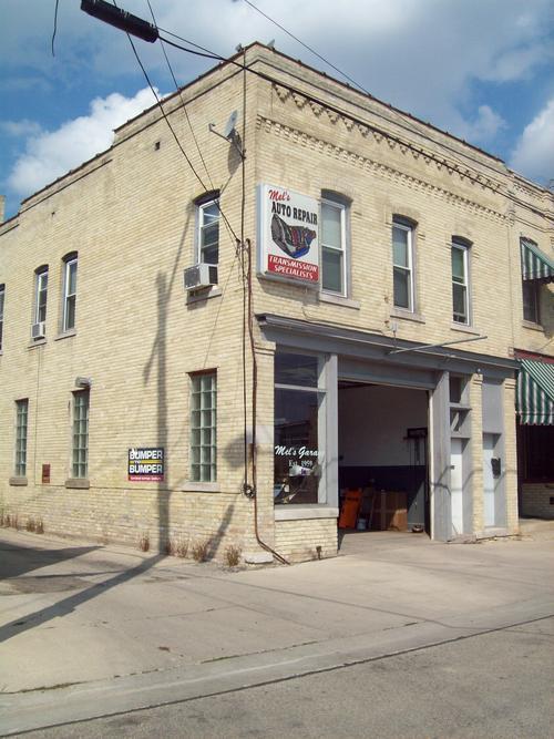 Mel's Garage