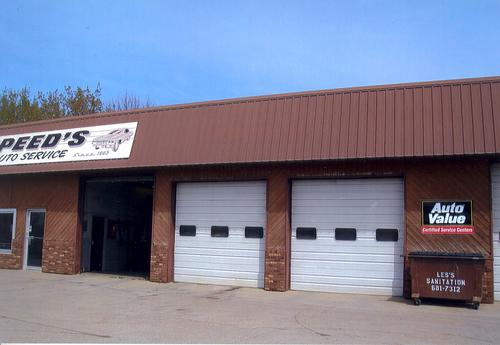Speed's Auto Service storefront. Your local AutoParts HeadQuarters, Inc in Thief River Falls, MN.