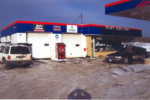 Palm's Town Pump storefront. Your local AutoParts HeadQuarters, Inc in Hoyt Lakes, MN.