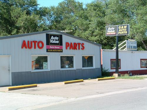 G & W Auto Parts storefront. Your local The Merrill Co. in Columbus Junction, IA.
