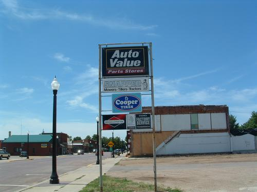3rd Avenue Auto Parts storefront. Your local The Merrill Co. in Mountain Lake, MN.
