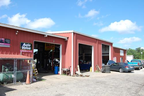 Ray's Garage storefront. Your local Tri-States Automotive Warehouse, Inc in Marianna, FL.