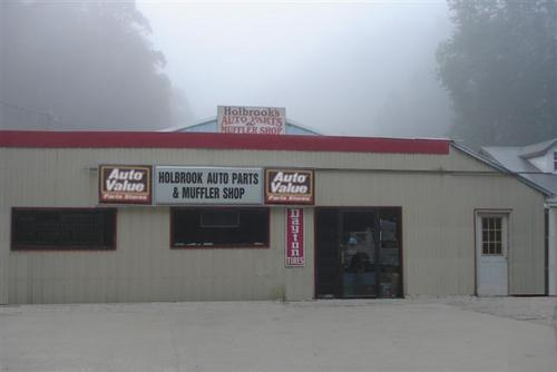 Holbrook Auto Parts storefront. Your local Hahn Automotive in Neon, KY.