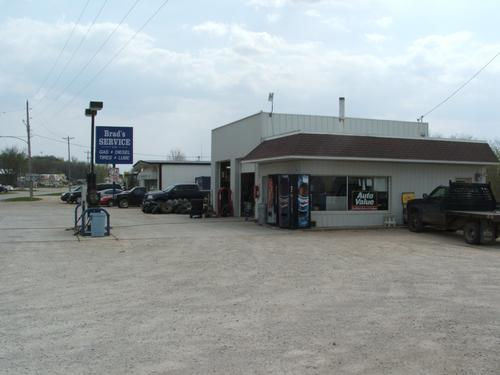 Brad's Service storefront. Your local The Merrill Co. in Sioux Rapids, IA.