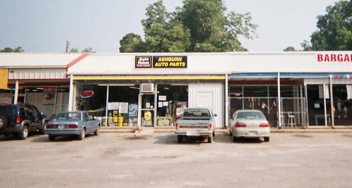 Ashburn Auto Parts storefront. Your local Tri-States Automotive Warehouse, Inc in Ashburn, GA.