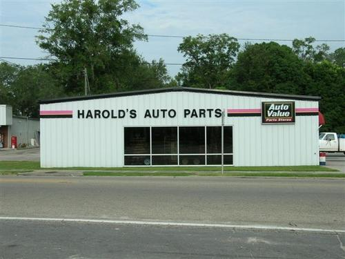 Harold's Auto Parts storefront. Your local Tri-States Automotive Warehouse, Inc in Wewahitchka, FL.