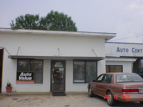 WHITE'S AUTOMOTIVE CENTER storefront. Your local White Brothers Warehouse, Inc. in Columbus, GA.