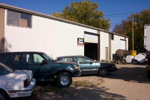 Advanced Automotive Parts storefront. Your local The Merrill Co. in Wauneta, NE.